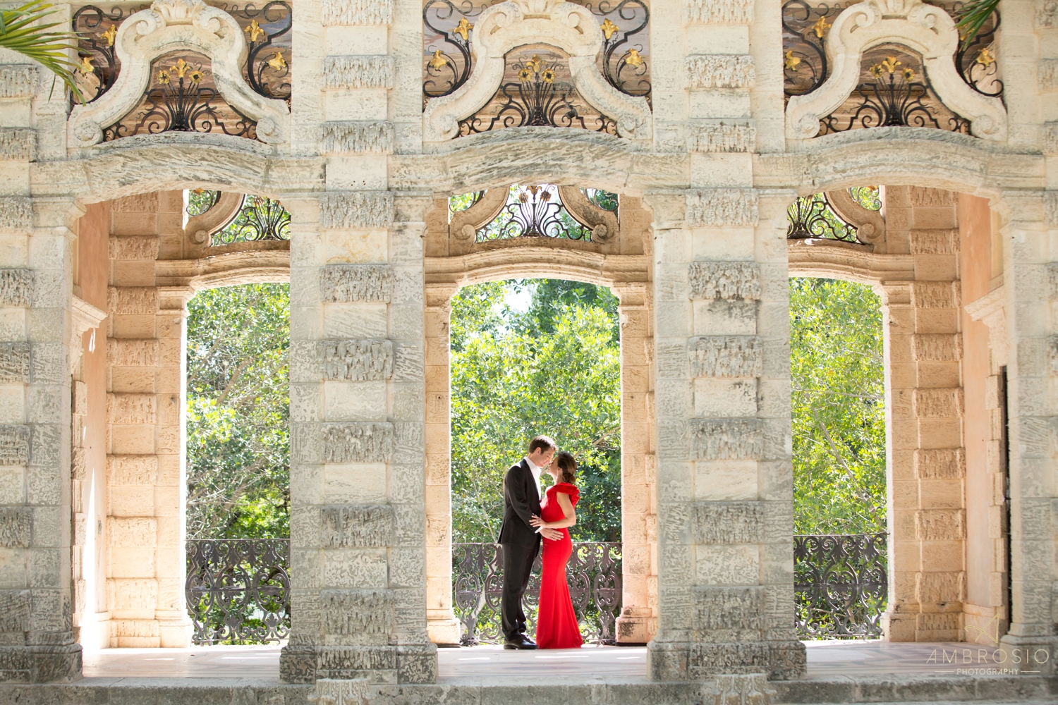Vizcaya Museum & Gardens engagement session ambrosio photography